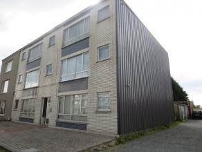 St-Niklaas, St-Gillisbaan Opbrengst eigendom in half-open bebouwing met gelijkvloers en 2 verdiepen,  bestaande uit 6 te renoveren appartementen met t