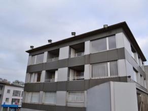 Dit volledig vernieuwd mooi appartement in het centrum van Beveren heeft een woonkamer, keuken, berging, badkamer, toilet, 2 slaapkamers, terras en ee
