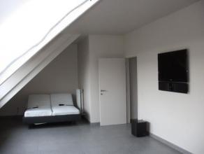 Dit appartement op de tweede verdieping is een buitenkans voor een jong koppel.  Vlak bij het station. Instapklaar, luxueus afgewerkt, zeer energiezui