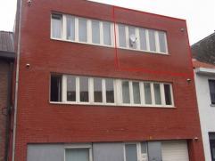 Gezellig appartement in centrum Sint-Niklaas, vlakbij AZ Nikolaas. Het bestaat uit een leefruimte met open keuken, een badkamer met douche, 1 slaapkam