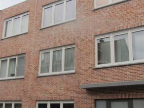 Dit prachtig nieuwbouw appartement in centrum Sint-Niklaas met terras is gelegen op de 2e verdieping van een appartementsgebouw met lift. Het beschikt