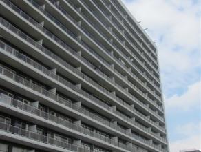Appartement met twee slaapkamers vlakbij het Waasland Shoppingcenter en vlotte verbinding naar E17. Het appartement bestaat uit een inkomhal, een leef