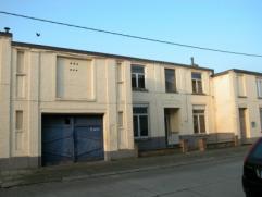 ruim WOONHUIS(Gesloten Bebouwing)- Te renoveren of voor nieuwbouw -Met* gelijkvloers: inkomhall, salon (Â 30 m²), eetkamer (Â 30 m&su