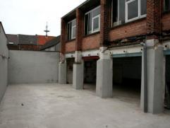 Dendermonde, Leo Bruynincxstraat 24.Standplaats voor motor in afgesloten garagecomplex.Centraal in de stad.Huurprijs: euro25Vrij: 01.09.2014