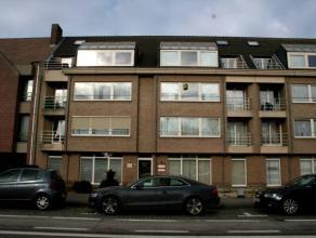 Dendermonde, Noordlaan 174 bus 6Mooi groot appartement met 3 slaapkamers en alle comfort, in klein gebouw met lift met garage. Standingvolle bewoning.