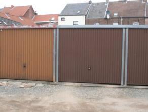 Dendermonde, ter hoogte van Lindanusstraat 110 - Garage 24.Aan de rand van het centrum gelegen garage.Huurprijs: euro 55Vrij: 01.06.2015