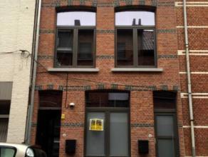 Dendermonde, Leo Bruynincxstraat 46 GlvHartje Dendermonde volledig gerenoveerd, instapklaar appartement met 1 slaapkamer en terras.Indeling:Inkomhal.