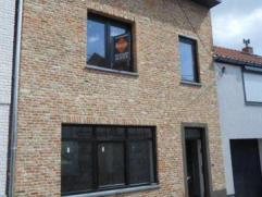 Nieuwbouwwoning te koop. Voor wie op zoek is naar zorgeloos bouwen! Prijs voor een volledig afgewerkte woning. Afwerking, indeling en inrichting kan n