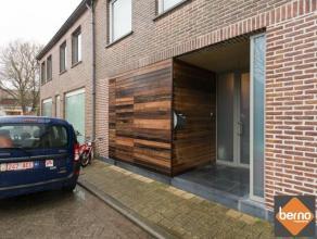 Deze ruime woning is gelegen aan de Schelde in het idillisch dorpje Weert en beschikt over een zee van mogelijkheden (wonen + praktijk / kantoor, ruim