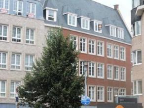 Dit unieke appartement is gelegen in hartje van Dendermonde. Namelijk op de Grote Markt. Het appartement is volledig vernieuwd, nieuwe ramen, nieuwe v