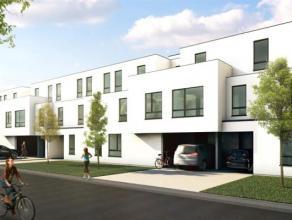 Gelijkvloersappartement omvattende hal, living, ingerichte keuken, ingerichte badkamer, 2 slaapkamers, berging en tuin van 108m. Verplichte aankoop va