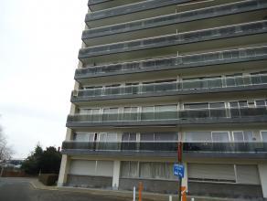 Dit knusse appartement is gelegen aan het station van Dendermonde, dichtbij het centrum. Het heeft als indeling een inkom met ingemaakte kast, ruime l