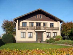 Te Hamme - Zogge : Openstaand landhuis met oprit, garage, aparte bijkomende woonst en tuin . Uniek vastgoedaanbod : Met blijvend VRIJ ZICHT ! Ideale k