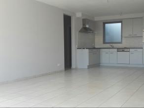 Dit knus appartement in het centrum van Wetteren beschikt over een inkomhal, een grote woonkamer met veel lichtinval, een open ingerichte keuken, een