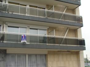Te Dendermonde: Instapklaar met smaak ingericht appartement met 2 slaapkamers, terras, parkeergelegenheid, living, moderne geïnstalleerde keuken,