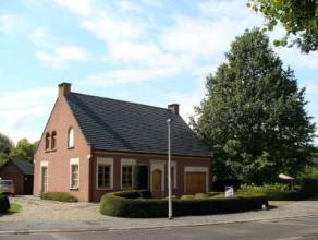 Te Dendermonde : Topaanbieding op een superligging. Stijlvolle, kwalitatieve alleenstaande villa met 2 garages en tuin. 4 à 7 slaapkamers. Op h