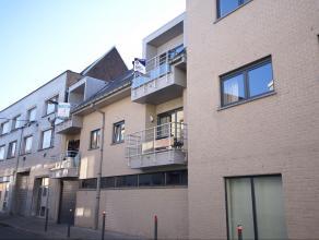Recent, instapklaar, verzorgd appartement, gelegen op de 2e verdieping, op wandelafstand van het centrum, het station en openbaar vervoer. Het apparte