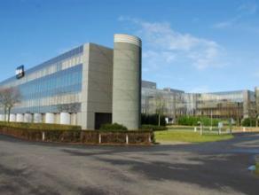 Het betreffen kantoren met een gunstige ligging aan de E34 (Expressweg). Het geheel is opsplitsbaar naar de vraag van de kandidaat-huurder. De units b