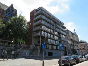 Prachtig kantoor (120m²) op 2e v van Residentie De Rede met zicht op de Schelde en het Steen, dichtbij Grote Markt en centrum. Inkom met ingemaak