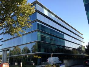 Prestigieus nieuwbouwproject gelegen aan de Antwerpse singel. De op- en afritten van de ring rond Antwerpen bevinden zich op enkele meters van het geb
