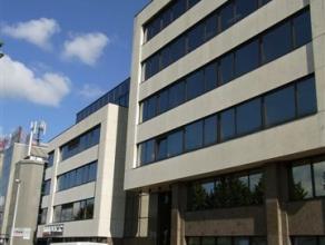 Kantoorgebouw bestaande uit 5 verdiepingen. De kantoren zijn gemakkelijk te bereiken via de ring rond Antwerpen. Het is mogelijk om reclame te maken m
