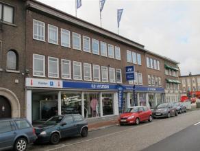 Het betreft een kantoor met een gunstige ligging vlakbij de binnensingel en de op -en afritten naar de Ring rond Antwerpen. Kenmerken: - 1ste en 2de v