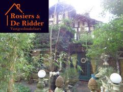 WONING MET 3 SLAAPKAMERS TE BONHEIDEN Unieke woning, in een oase van groen. Deze karaktervolle villa is gelegen op een perceel van 1635 m². Indel
