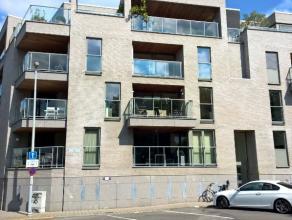 Beschrijving Halfopen bebouwing Recent appartement, type half-open, op een schitterende locatie. Gelegen in het centrum van Dendermonde, nabij het Sas