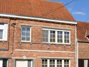 Beschrijving Gesloten bebouwing Deze prachtig gelegen woning langs de schelde omvat, Op het gelijkvloers: Een aparte inkomhall, gezellige woonkamer, i