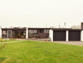 Beschrijving Open bebouwing In Wachtebeke tegen Gent vindt u deze riante open bungalow. De woonst staat op een totaal oppervlakte van maar liefst 1466