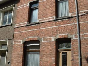 Beschrijving Gesloten bebouwing Deze mooie woning is gelegen op een toplocatie te Dendermonde.Dankzij de nabijheid van de Oude Vest zijn er verschille