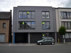 Nieuwbouw appartement te Wetteren op de gelijkvloerse verdieping.Indeling van het appartement: inkomhal, apart toilet, berging met tellerkast en venti