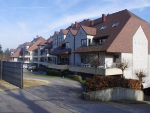 Luxe-appartement (4 jaar oud) 104m² residentiële ligging. 2 slaapkamers, ruime living met open keuken (volledig ingericht), 2 terrassen met