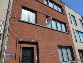 Appartement TE HUUR (60,5 m²) gelegen op het 1ste verdiep in het centrum van AALST. Het appartement bestaat uit een inkomhal, ruime living met v&