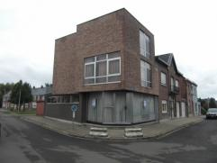 Oudegem : rustig gelegen, nabij dorp,  goed onderhouden woning met 2 kelders. Op 1e verdiep :  voorplaats (vroegere schoenwinkel), zitplaats, wasplaat