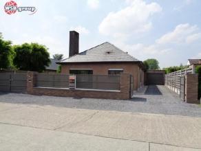 OPTIE OPTIE OPTIE Prachtige bungalow gelegen in een rustige wijk!Deze praktische vernieuwde woning bestaat uit: inkom, apart toilet, woonkamer met eet