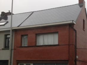 Bent u op zoek naar een zeer ruime woning dan is dit beslist een aanrader. Er is reeds een volledig nieuw dak voorzien. Grondopp. 600m². Indeling