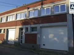 Rez-de-chaussée: hall d'entrée; WC séparé; très grand garage (pour 4 voitures); buanderie;Étage: living, cui