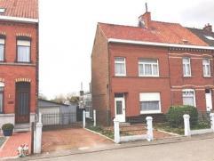 Te renoveren woning met bijgebouwen, tuin en garage.Inkom, living, keuken, bijgebouwen3 slaapkamers en zoldergarage