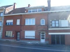 Te renoveren burgerwoning op een boogscheut van het centrum van Ronse met inkomhal, living, salon, keuken, veranda badkamer, 4 slaapkamers, zolder, ke