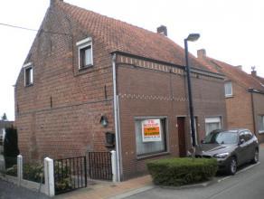 Het betreft een woning gelegen te Lovendegem langs de Verbindinsweg 16. De woning omvat op het gelijkvloers een living, keuken, zithoek, koele berging