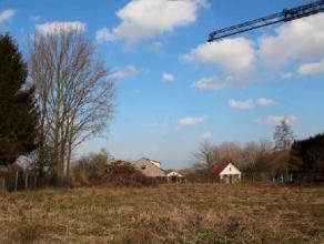 Bouwgrond LOT nr 2 uit de verkaveling aan de Kroonstraat nr 23 te Brakel / Everbeek, is geschikt voor het oprichten van een half open bebouwing.Het pe