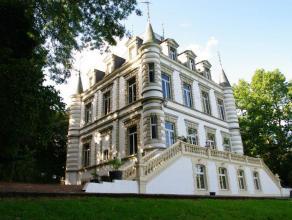 Dit imposante kasteel in Geraardsbergen is gelegen op een terrein van meer dan 15 hectare, geniet van een uitzicht over een mooi glooiend landschap me