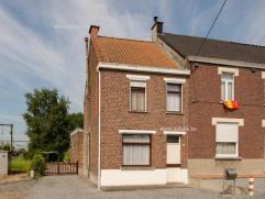 Op slechts enkele kilometers van centrum Oudenaarde vinden we deze te renoveren HOB. Met achteraan in de tuin een prachtig open zicht! Omvat: Inkom, w