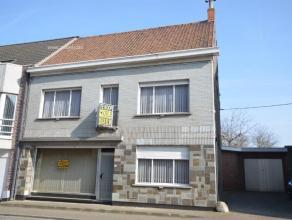 Centraal gelegen, veelzijdige eigendom die perfect geschikt is voor gemengd gebruik! (voorheen slagerij) Vlakbij station Zingem gelegen, nabij N60 en