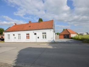 Gerestaureerd landelijk huisje gelegen te Waregem! Omvat; Keuken, woonkamer,2 slaapkamers, badkamer, kelder, garage, berging tuin en weide. Beschikbaa