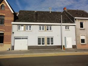 Ruime, centraal gelegen woning met 3 (mog. 4) slaapkamers, tuin en garage op 3are. Deze woonst is reeds voorzien van nieuwe ramen HR+ en verwarming op