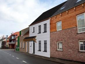 Charmant & landelijk hand in hand.   Huiselijk woonerf met 7 woningen (inclusief carport) in landelijke architectuur, gelegen in de authentieke d