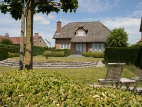 In één oogopslag is de luxueuze afwerkingsgraad van deze perfect onderhouden cottage villa meteen duidelijk.  Deze stijlvolle innemende