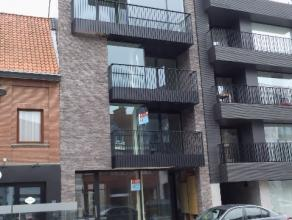 Nieuwbouwappartement op 4de verdieping op markt te Deinze. Hedendaagse tijdloze architectuur zowel aan buiten als binnen zijde van dit appartement. Ru